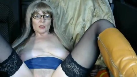 Mature webcam naughty