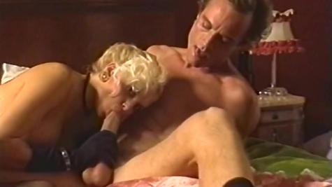 Ретро, грудастая блондинка с дружком