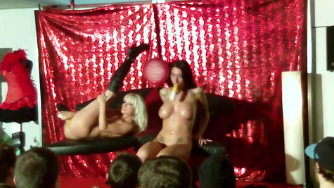 Sexy chicks perform in front of the audience