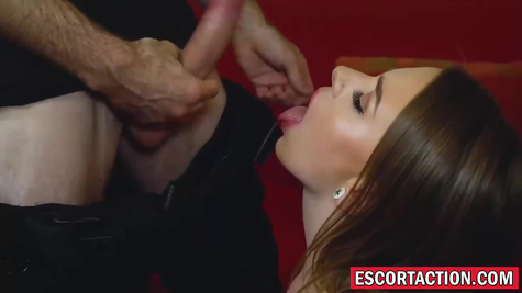Полицейский ебет шлюху, американское порно
