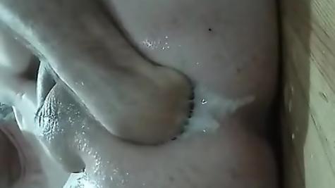 Домашнее гей порно - фистинг анала от гомосека
